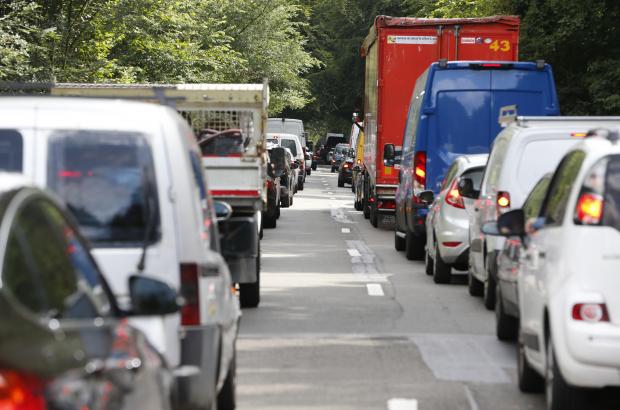 Illustration picture shows a traffic jam on the Tervurenlaan - Avenue de Tervueren, near the Leonardtunnel - tunnel Leonard, Brussels. (BELGA PHOTO NICOLAS MAETERLINCK)