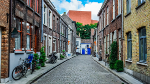 A terraced street in Bruges, Belgium (Wikipedia Creative Commons, Dimitris Vetsikas/Pixabay)